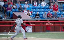 Reggie Abercrombie Homers Twice to Lead Winnipeg to 7-1 Victory, Tie Series