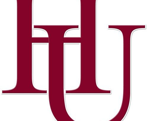 Justice Spriggs Leads Hamline Pipers by Air, Land in 30-19 Victory