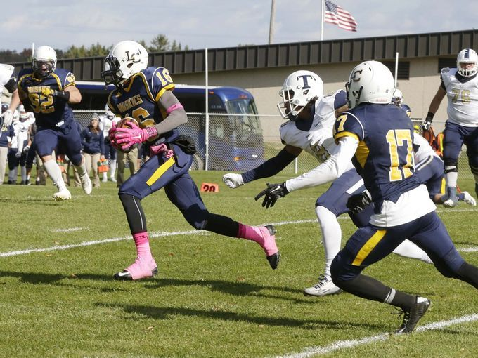 Grace Under Fire Helps Donte Rowell Stars for Lakeland Defense