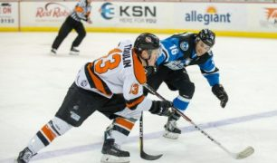Trevor Cheek Leads Fort Wayne Komets to Victory, 5-3