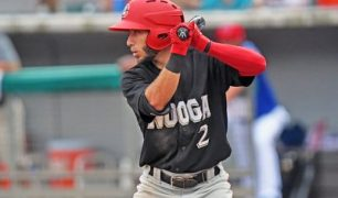 Winnipeg Goldeyes Sign IF Alex Perez