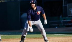 Goldeyes Drop Exhibition Contest in Lincoln, 2-1