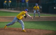 Six Run First Too Much for Canaries to Overcome, 9-1