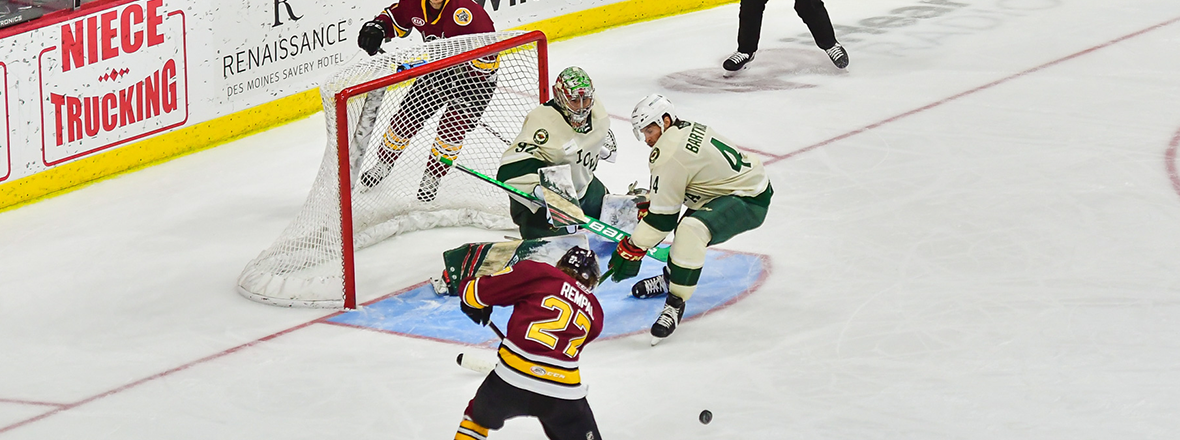Warsofsky, Jeannot Lead Wolves Past Wild, 6-2