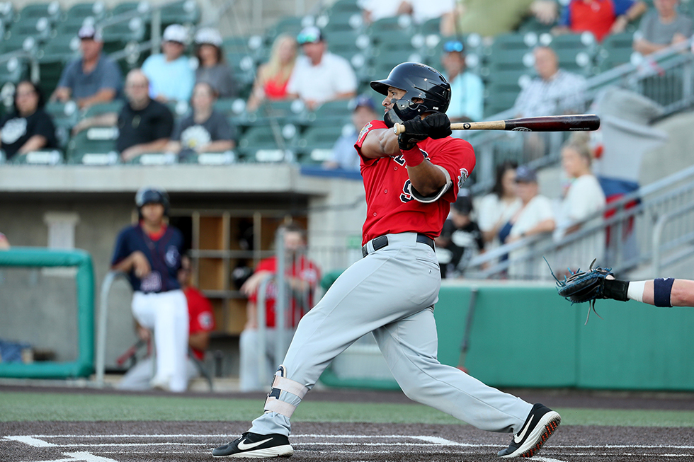 Explorers Sink Goldeyes Early to Even Series