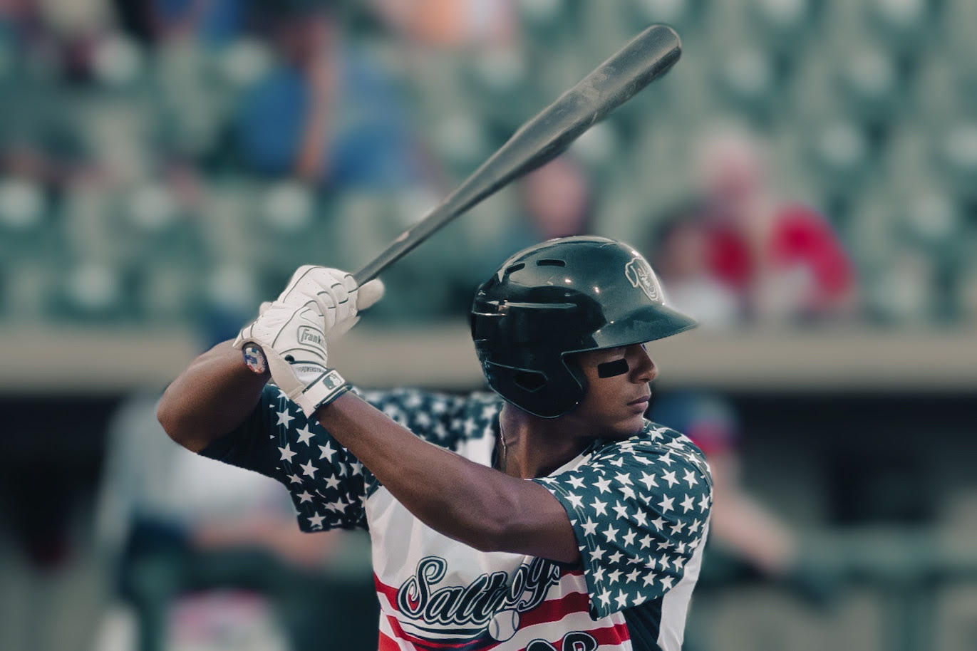 Saltdogs Hold Off RedHawks to Even Series