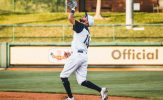 Buhner Drives Home Winner in 8th to Spoil Apollos Comeback